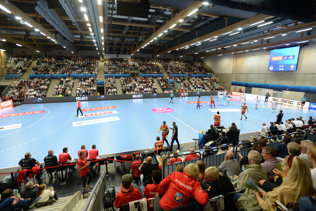Full hall in Terningen Arena
