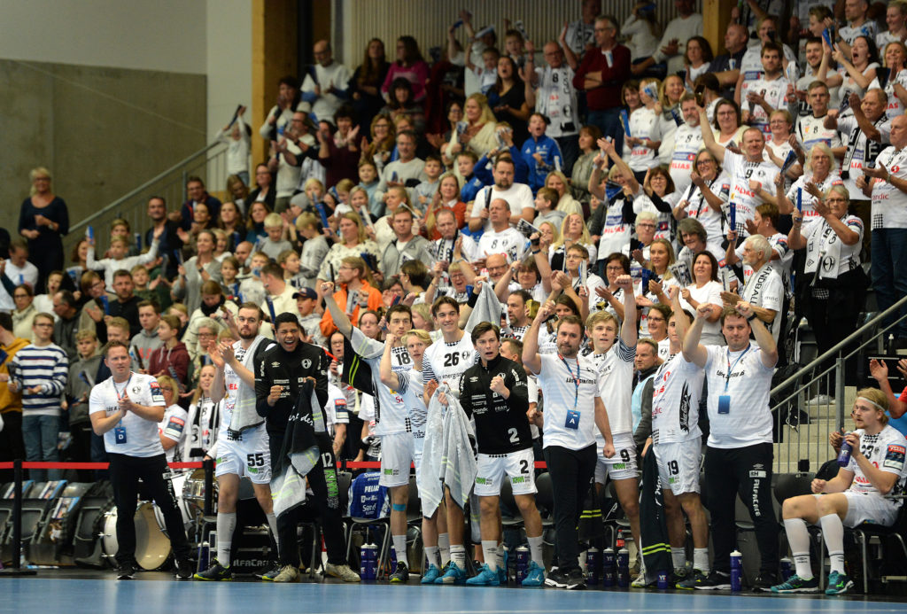 Elverum handball cheers in Terningen Arena
