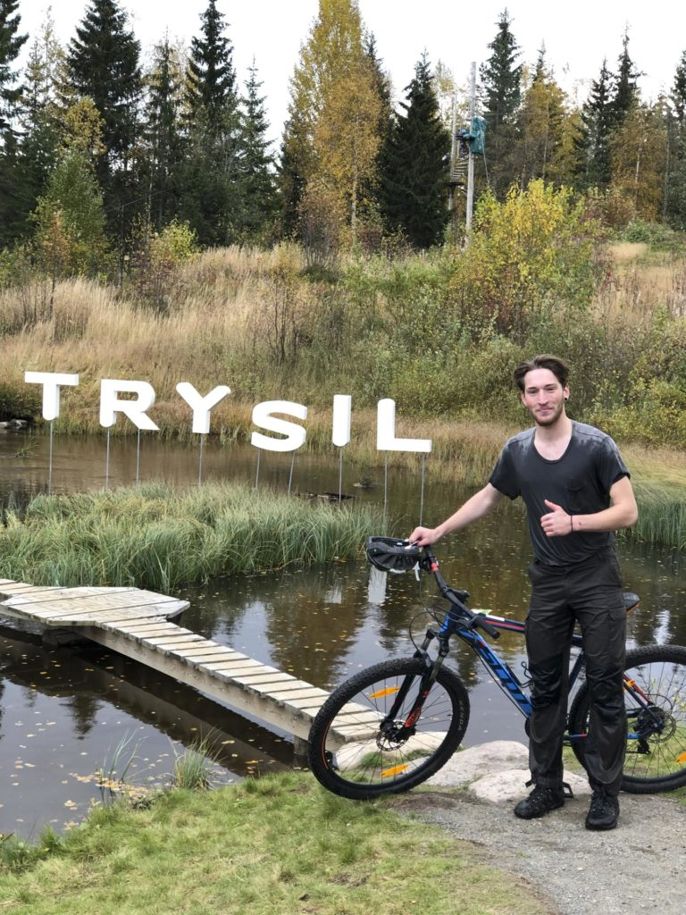 Young man with mountain bike in Trysil