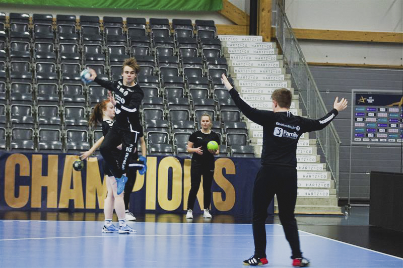 Students at Elverum Folk High School play handball
