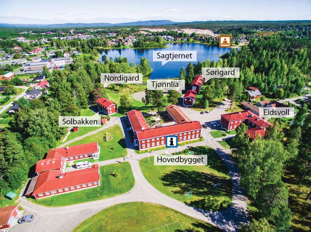 Oversiktsbilde over internatene på Elverum folkehøgskole med navn