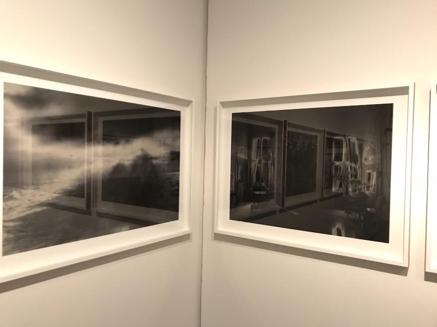 Bilder på utstillingsvegg
