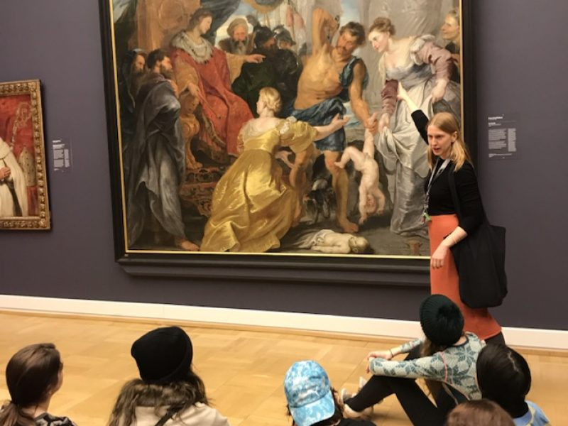 Stort maleri på utstilling
